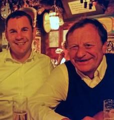 """Auch Oberbürgermeister Sven Gerich und Ex-OB Achim Exner feierten gerne im """"Eimer"""". Foto: Der Eimer"""
