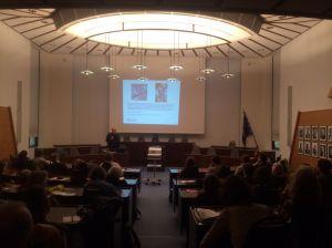 Gut besucht: Klaus Bondam beantwortete im Stadtverordnetensitzungssaal Fragen aus dem Publikum