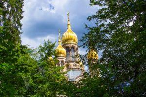 Die Russisch-Orthodoxe Kirche der heiligen Elisabeth in Wiesbaden. Sie wird auch Griechische Kapelle genannt, weil im 19. Jahrhundert orthodoxe Kirchen als griechische Kirchen bezeichnet wurden. Foto: Thinkstock