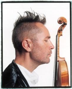 Star-Geiger Nigel Kennedy spielt diesen Sonntag im Kulturzentrum Schlachthof. Foto: Stadt Wiesbaden