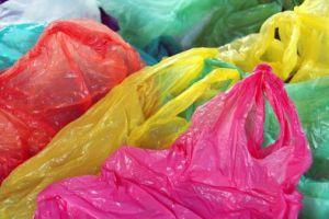 Plastiktüten werden bis zu 400 Jahre alt. Foto: Thinkstock
