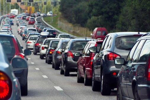 Am Samstag sind Verkehrsbehinderungen wegen der Großübung rund um die Schiersteiner Brücke möglich. Symbolfoto: Thinkstock