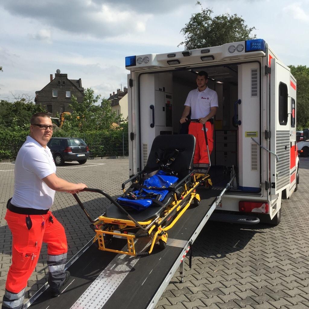 Der Schwerlast-Rettungswagen in Aktion. Foto: JUH/Michael Lunkenbein