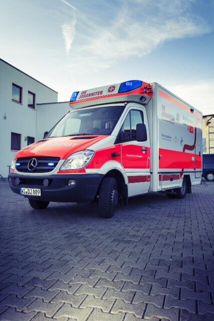Der Schwerlast-RTW aus Wiesbaden ist fast täglich im Rhein-Main-Gebiet Einsatz Foto: (c) 2013 / Grafische Ambulanz