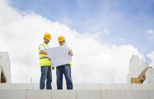 """Die Stadt will auf dem Gelände des """"American Arms Hotel"""" Wohnungen bauen lassen. Symbolfoto: Thinkstock"""