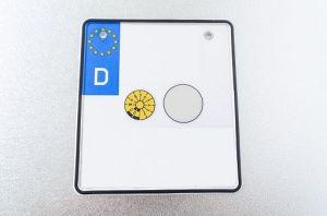 In der Wiesbadener KFZ-Zulassungsstelle sollen 3.400 HU-Prüfplaketten gefehlt haben. Symbolfoto: Thinkstock