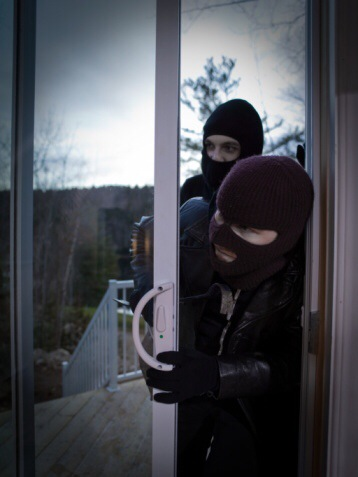 Die Gauner wollten über die Terrassentür einsteigen, wurden von der Nachtschwester ertappt. Symbolfoto: Thinkstock
