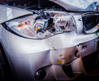 Der Unfall-Fahrer (83) verursachte 20.000 Euro Schaden. Symbolfoto: Thinkstock