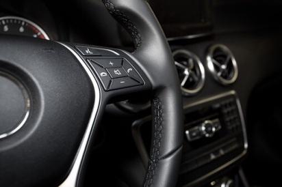 Die Diebe bauen Airbags und Navis aus Autos aus, schlugen schon sieben Mal zu. Symbolfoto: Thinkstock