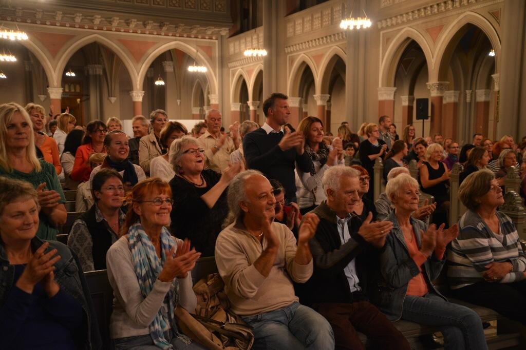 Das musikalische Programm mit Dancing Pipes und dem Gospelchor Xang lockte mehr als 1000 Menschen in die Marktkirche Foto: Andrea Wagenknecht/Ev. Dekanat Wiesbaden