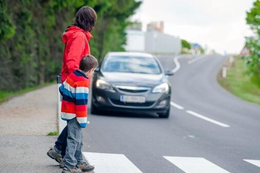 Die Stadtpolizei hat 459 Raser vor Grundschulen in Wiesbaden geblitzt, 11 davon erhielten Anzeigen. Symbolfoto: Thinkstock