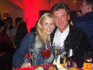 Cantina Imperial im Januar 2002: Michaela Schaffrath und Wiebaden-Insider Peter Schmidt. An diesem Abend stellte er ihr TV-Sport-Experte Jörg Dahlmann vor. Foto: Peter Schmidt