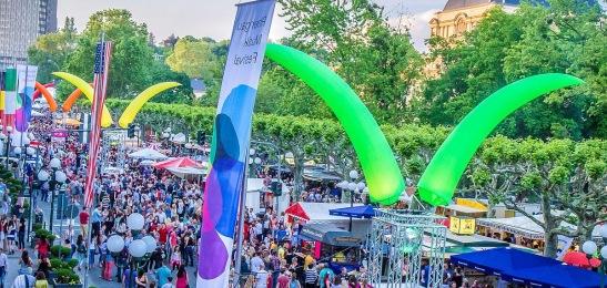 Bald startet wieder das Mega-Fest auf der Rue Foto: Peter Schmidt