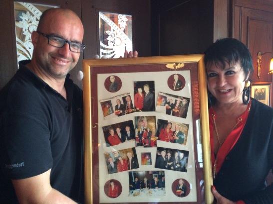 Beim Flakon-Abbau entdeckt: Erinnerungsfotos von Uschi Ackermann und Gerd Käfer im Salon des Flacons